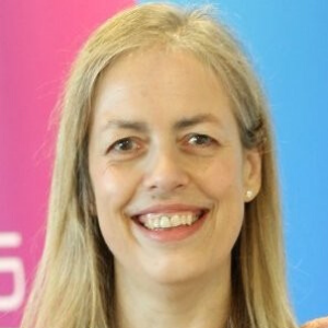 Dr Claire Douglas